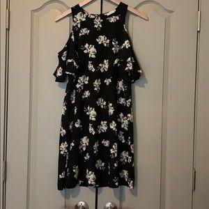 Soprano cold shoulder black floral dress size M